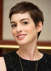 Anne-Hathaway-Short-Pixie-Cut.jpg